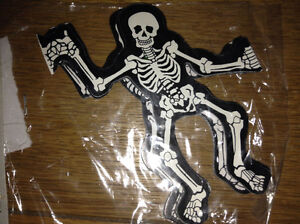 HALLOWEEN SKELETON GARLAND