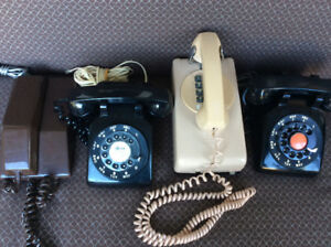 3 Retro Rotary Telephones