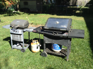 "2 BBQ patio chef 47"" & Centro 53"" with side burner & side table"