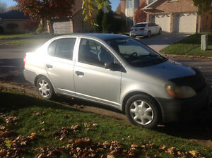 2002 Toyota Echo 4 dr.....5 spd standard...tow hitch/tow behind London Ontario image 4