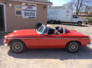 1972 MGB customized roadster topless , V6 2.8 GM, Auto 3 ssd