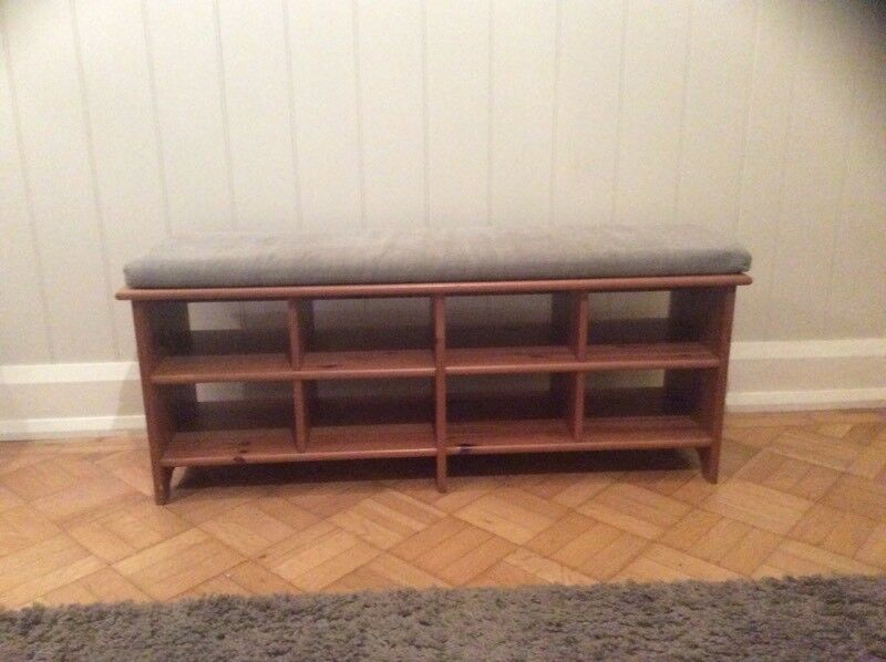 Hallway shoe storage bench
