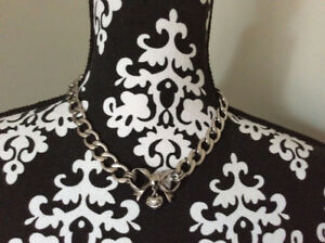 Juicy Couture Starter choker necklace|colier ARGENT