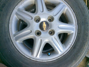 Chevy Epica 2004 Rims and used Summer Tire package