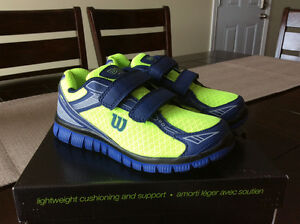 NEW Wilson running shoes - size 2