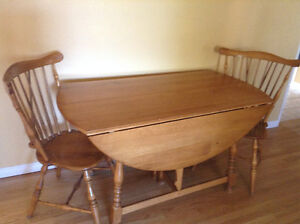 """Vilas Maple 61"""" dining room table and chairs"""