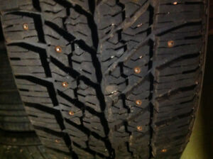 Single snow tire