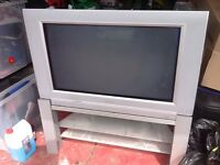 "TV ANALOGUE 35"" PIXEL PLUS. FREE TO ANYONE."