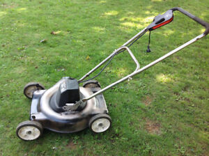 Black & Decker electric lawn mover - 100% working condition
