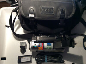 SONY HANDYCAM DIGITAL VIDEO RECORDING W/ CHARGER AND BATTERIES