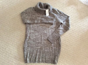 NEW Thyme Maternity sweater