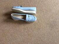Ladies size 6 trainers