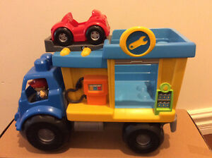 Mega blocks truck with garage and car