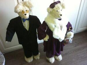 Fur Bear Couple Set Greet Hallway Anniversary Wedding 2 Welcome Oakville / Halton Region Toronto (GTA) image 1