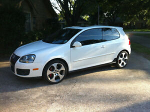 2009 White Volkswagen GTI With Automatic Tiptronic