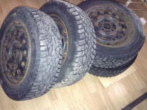 Pneus d'hiver (4) winter tires -General Altimax Arctic 175/65R14