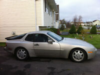 1987 Porsche 944 Turbo Coupe (2 door)