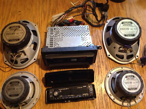 Clarion DXZ745MP Car Stereo with Speakers