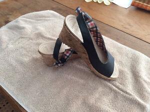 Crocs-wedge heel