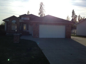 Beautiful 5 bedroom executive home for rent in Whitecourt