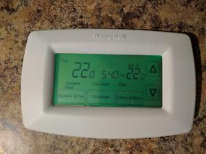 Honeywell Touchscreen Thermostat (Heat Pump Compatible)