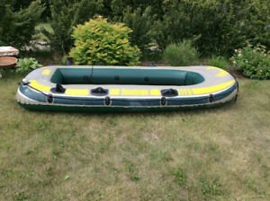 SEAHAWK RUBBER BOAT DINGY FOUR MAN NICE CONDITION