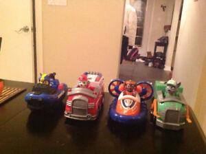 PAT PATROUILLE/PAW PATROL WHOLE SET SELL (figurines/trucks/cars)
