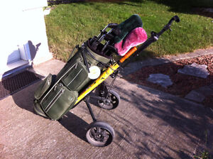 Golf clubs, bag & accessories Windsor Region Ontario image 1