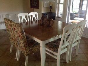 Mobilier de salle à dîner en érable