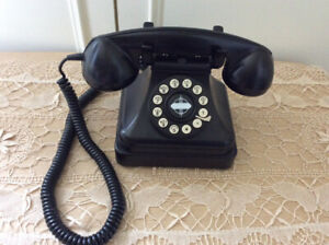 REPRODUCTION PHONE BLACK CROSLEY  with ACCESSORIES