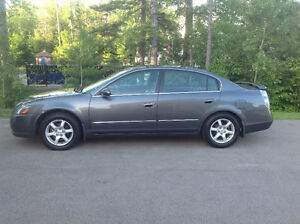 2005 Nissan Altima SL Sedan **LOW KMS**