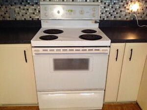 White MOFFAT electic stove/oven works perfectly