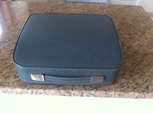 Antique BROTHER DELUXE  portable typewriter West Island Greater Montréal image 2