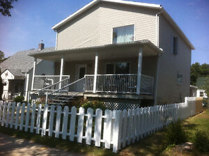 Crescentwood/Fort Rouge - Large 4 Bed/2 Bath - AVAILABLE NOW