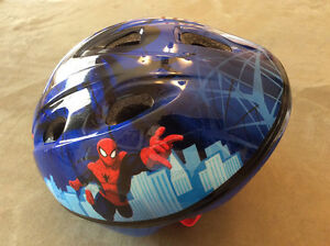Casque Spiderman pour  enfants / Spiderman Toddlers' Helmet