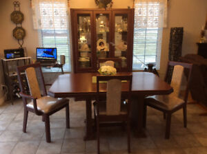 Dining Room set with Buffet!