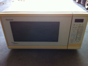 Panasonic Genius microwave Kitchener / Waterloo Kitchener Area image 1