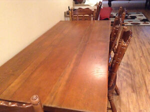 Wood Dining table with 6 chairs and cushions