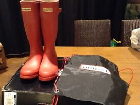 HUNTERS WELLIES SIZE 3