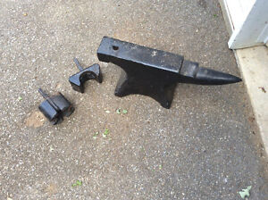 Antique 90 lb Anvil with 2 accessories