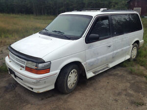 1995 Dodge Caravan **NEED GONE**