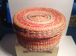 Vintage Sweetgrass Basket with 11 Coasters Heart String Motif