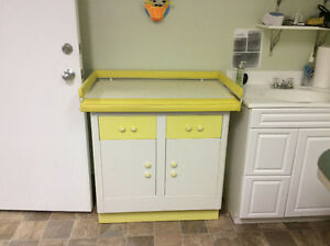 Classic Baby Changing Table