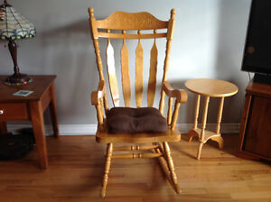 Rocking chair Cornwall Ontario image 1