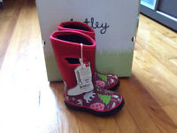 winter boots size 7 from Hatley new/ botte d' hiver neuf g. 7