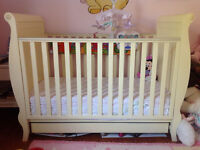 Beautiful solid crib with built in drawer
