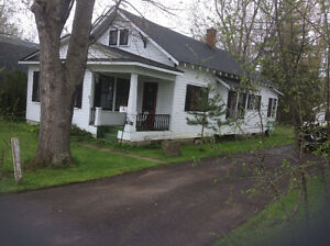 House for Sale Close to Lake and Old Fort Erie