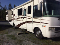 2003 National Dolphin LX6356 Motorhome