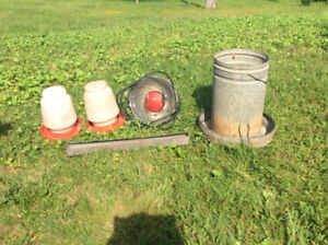 Chick brooder lamp & feeder, chicken feeder and waterers