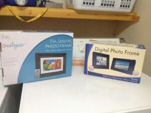2 - - Digital photo frame never opened